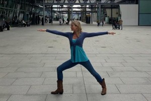 http://www.tntmagazine.com/news/travel/five-easy-airport-yoga-postures-to-ease-jetlag